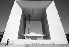 Paris, La Grande Arche (Werner Schnell Images (2.stream)) Tags: paris la grande defense arche ws