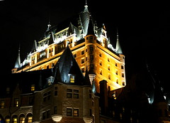 Chteau Frontenac (BlueShift 12) Tags: light castle yellow night hotel quebec quebeccity