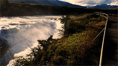 salto del paine (Homayra Oyarce G.) Tags: chile patagonia naturaleza paisaje torresdelpaine latinoamericano parquenacionaltorresdelpaine sudamrica riopaine panasonicdmcfz200 lumixfz200 saltodelpaine reservasdelabisfera