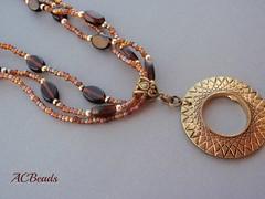 Colar castanho / Brown necklace (ACBeads) Tags: brown metal handmade castanho colar contas missanga handmadejewelry mianga medalho handmadejewellery handmadenecklace pendantnecklace colarartesanal bijutariaartesanal colardemissangas acbeads colarcompendente