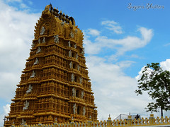 Raja Gopuram.. (Sugan Raj) Tags: india photography nikon main hills shutters sugan mysore raja chamundi gopuram clickster p510