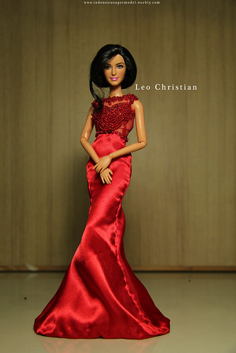 Katrina wears Miss Indonesia Universe 2013 Evening Gown