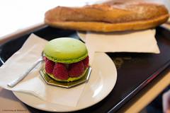 Petit Versailles (Une fille) Tags: music paris dark du nathalie versailles bakery satan raspberry marais boulangerie petit framboise macaron pistache khansa
