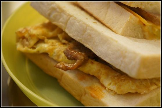 士林早午餐推薦 ▏豐盛號。炭烤吐司/紅茶牛奶。食尚玩家:台北必吃十大早餐 @ 捷運士林站 @ ▌Meiko 愛敗家。甜點。旅行~▌ :: 痞客邦