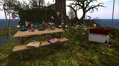 Alloy likes swiss burgers (Kris Spade) Tags: picnic secondlife alloymint