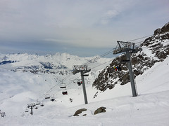 Chairlift (Gilder Kate) Tags: samsung samsungmobile samsunggalaxys5mini smg800f lesarcs france ski skiing snow lifts chairlift