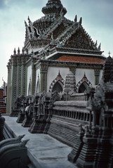 Wat Phra Keo temple, Bangkok (1982) (Duncan+Gladys) Tags: thailand bangkok enhanced th