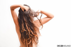 Sammy Lo.Ve (DiegoMolano) Tags: portrait woman hot sexy blanco girl nude mujer nikon retrato sensual espalda cabello desnudo desnuda cruzadas deespaldas cruzadasgold d3100 cruzadasi