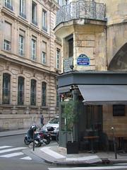 Rue Croix des Petits Champs (Simon_K) Tags: paris france parisian francais parisien pariswander pariswanderblogspotcouk randonnierflaneurflaneriespariswanderblogspotcouk