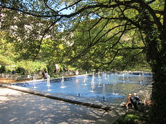 Early Fall, South Garden (rwchicago) Tags: autumn trees urban mist chicago fountain pool museum garden september sprinkler artinstituteofchicago lightandshadow artinstitute hawthorn array dankiley southgarden hawthorntrees