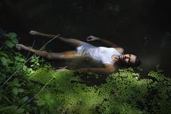 L'Offrande (mick_bulle) Tags: man sexy nature water eau mort dream surface rivière extérieur homme rêve ténébreux