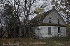 The White House (Sheldon Emberly) Tags: abandoned farmhouse weatheredpaint borderfx nikond3