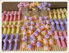 DSCN2901 (Lili Arte em biscuit) Tags: rosa amarelo biscuit coruja lápis lilás prendedor grampo aplique fecha pregador corujinha ponteira
