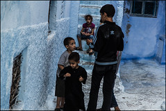 kids on blue... (frmorais) Tags: chefchaouen marrocos mef