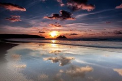 Final Sunset (Martin Mattocks (mjm383)) Tags: sunset sky seascape water clouds reflections landscapes sand cornwall horizon coastline canoneos5dmarkii mjm383 martinmattocksphotography