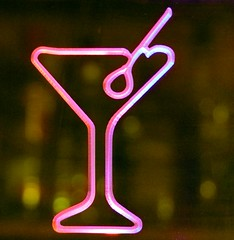 Neon (Mimolalen) Tags: pink light glass cherry licht neon drink rosa cocktail werbung glas reklame neonlight getränk kirsche leuchten longdrink neonlicht cocktailkirsche leuchtreklame