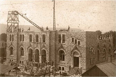 Building the Winona Post Office, 1890 (From Minnesota History Summer 2013, photo courtesy the Winona County Historical Society)