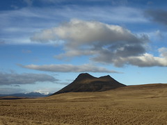 rhyrningur r Vatnsdal (h) Tags: shadow sky mountain clouds landscape iceland spring may fields fjall 2013 rhyrningur