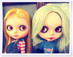 Prvia Maya e Ramona (Gabi C Martins) Tags: cute piercing sp blythe curious custom simple peppermint sbl yellowhair rbl cucu minthair
