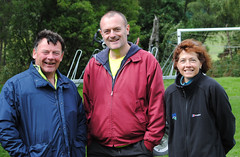 Heating up after cycling 34k, Alan and Christine Bowie of NFU Scotland, compare fatigue stories with Gordon Davidson. Photo courtesy of Karen Carruth, The Scottish Farmer