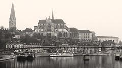 1633 Auxerre 5 (Nebojsa Mladjenovic) Tags: light mist france monochrome sepia digital french outdoors lumix frankreich burgundy panasonic frankrijk bourgogne francia francais fz50 auxerre yonne svetlost mladjenovic