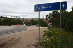 Manic 2 (-AX-) Tags: pancarte ctenord manic2 barragehydrolectrique route389