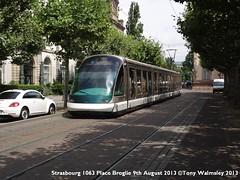 Strasbourg 1063 Place Broglie (TonyW1960) Tags: strasbourg placebroglie eurotram tram strassenbahn electrico bonde streetcar tranvía трамвай spårvagn trikk トラム 电车 חשמלית ترام tranvia