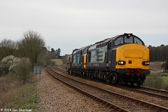 37611 37610 T.S (Ted) Cassady 14.5.61-6.4.08 19th March 2014 Woodbridge (Ian Sharman 1963) Tags: ted tractor station train march suffolk flask diesel engine rail loco class line east crewe 37 coal ts cassady services direct 19th woodbridge sizewell 2014 drs 37611 37610 6l70 145616408
