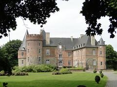 Castle of Braine-le-Chateau (Joop van Meer) Tags: castle 2015 brainelechateau gr12