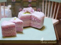 P1050250 (Zulifa miniatures) Tags: торт кукольнаяминиатюра полимернаяглина ручнаяработа эксклюзив cake polymerclay handmade exclusive