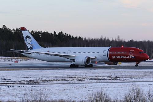 Norwegian Boeing 787-9 Dreamliner LN-LNI 170225 ARN