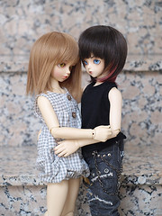 More than sisters (Michir) Tags: kid volks delf ani toppi