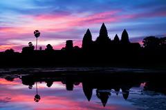 Angkor Wat Sunrise (ChOi Photos) Tags: sky sunrise temple cambodia angkorwat siem reap silloutte sillo angkot