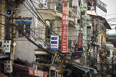 l'lectricit  HANO, VIETNAM (marc scholler) Tags: cruise temple cable vietnam hoian hanoi halong sapa halongbay lectricit baiedhalong
