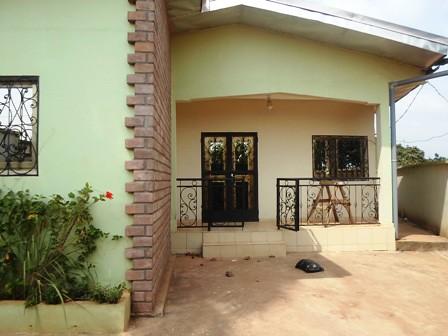 Maison (Villa) à vendre à Yaoundé, Elig-essono - 3 chambre(s) - 60 000 000 FCFA
