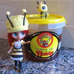 BaD Feb 4 - Honey (lyndell23) Tags: honey blytheaday ablytheaday lpsblythe lemonsnhoneylps