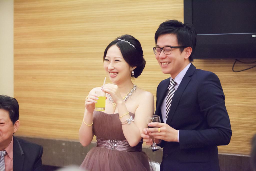 20131130[婚禮紀錄]皓喆&育菁0120