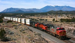 BNSF 762, EB, DARLING, AZ 3-29-14 (TRAINFLAMES) Tags: cn train ns az stack sanfranciscopeaks ge darling bnsf emd dash944cw warbonnet es44ac sd75i transcon heritageunit