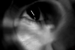 anima@ (noranove) Tags: occhi inverno riflessi bianco nero autoscatto orizzonti spazi fessure