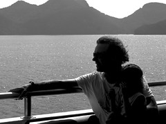 Peace of mind (ByKarine) Tags: monochrome vent soleil noiretblanc yacht marinepark quitude tincelle balladeenmer