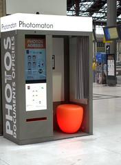 Gare de Lyon (jrl_photos) Tags: paris photo orange cabine photomaton