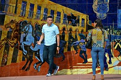 Matching Mural (Pedestrian Photographer) Tags: couple mural olvera st street dsc6208b dsc6208 man woman dressed clothes matching father hidalgo rang bell dolores by eduardo carrillo mexico mexican shirt pattern colors colorful mansplain mansplaining jeans tight ribbet