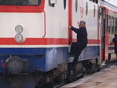 'Ready to depart' (a Turkish Railways E52500 Class electric locomotive at Eskişehir with the 'Başkent Ekspresi'/'Capital Express' (Ankara-Istanbul)) (Steve Hobson) Tags: turkish railways tcdd eskişehir driver e52500 4419 koncar zfbh başkent capital ekspresi express