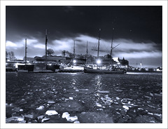 Orions Belt (paulmcdee) Tags: travel winter sky bw white snow black cold tourism ice water weather oslo norway night clouds port marina docks canon stars boats bay belt ships tourist powershot orion fjord icy scandinavia aker brygge scandanavia s100 5photosaday topqualityimagesonly