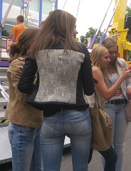 Jeans girls (Zangeressenlive) Tags: street hot sexy candid jeans tight kermis