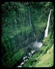 Thoseghar waterfall (DraconianRain) Tags: phone plateau motorola waterfalls maharashtra vignette monsoons satara kaas defy thoseghar