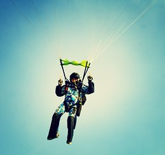 HALO Skydiving 2009', Elvis manuevering to land (divemasterking2000) Tags: sky skydiving coast march mar al high jump jumping kevin altitude low alabama dive elvis halo diving center opening skydive dropzone emerald 2009 jumps dz ecsc recordsetting highaltitudelowopening elberata