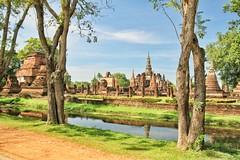 Sukothai Historical Town (simondownunder) Tags: thailand temple ruins wat sukothai flickrandroidapp:filter=none historcaltown