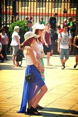 Redheads - Prague (fhmolina) Tags: girls red woman sun hot girl hat women warm dress prague head sunny praga redhead heat garota menina redheads ruiva chapéu garotas