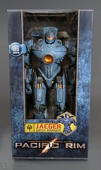 Pacific Rim ~ GIPSY DANGER JAEGER ROBOT 18 inch figure Mint In Box by NECA (LUNZERLAND!) Tags: actionfigure robot jaeger mib plastictoy pacificrim neca guillermodeltoro 18inch mintinbox gipsydanger